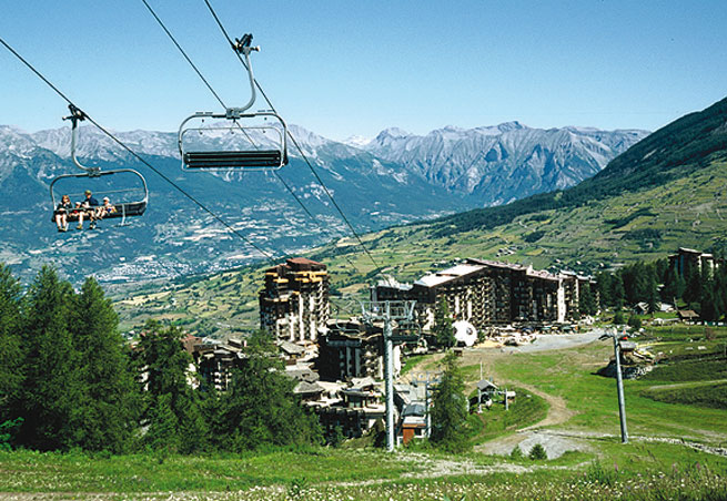 Hautes alpes montagne tourisme stations de ski html - Office tourisme montgenevre hautes alpes ...