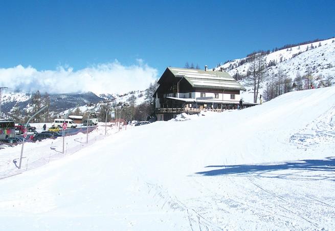 station de ski molines en queyras alpes du sud hautes. Black Bedroom Furniture Sets. Home Design Ideas