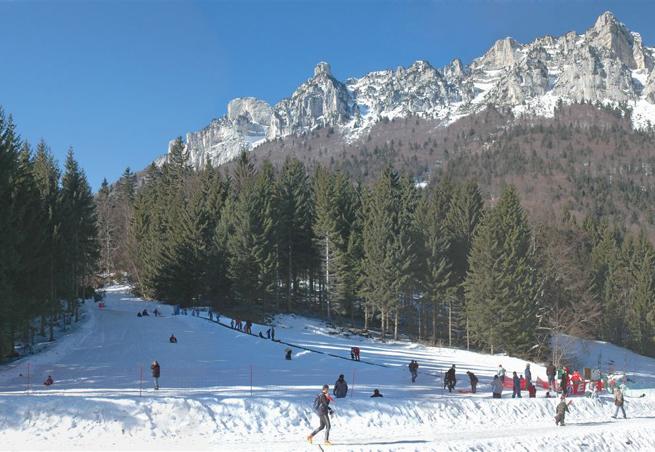 station de ski saint hilaire du touvet alpes du nord is re vacances. Black Bedroom Furniture Sets. Home Design Ideas