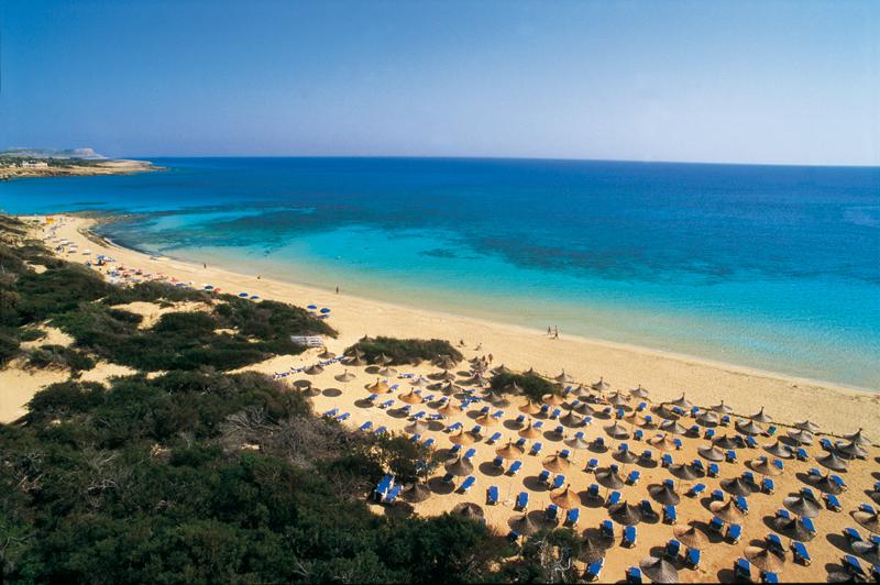 chypre   une destination touristique aux plages immacul u00e9es