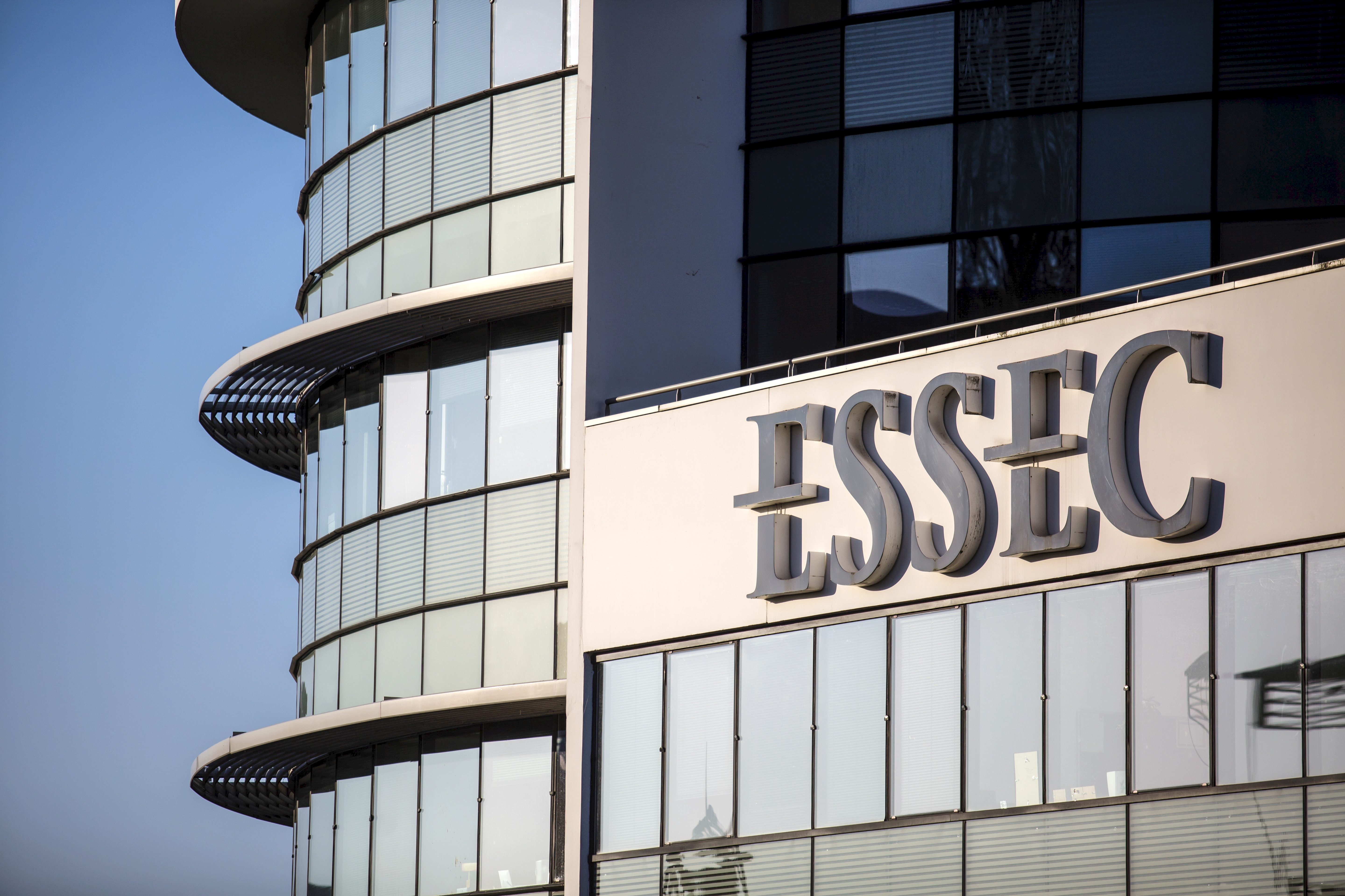 L'ESSEC Business School obtient l'accréditation AMBA  et la «triple couronne»