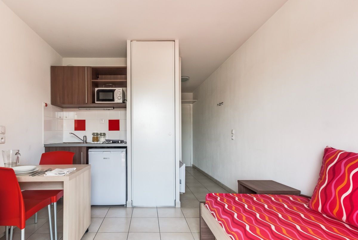 stud a marseille ferrari 13005 marseille r sidence service tudiant. Black Bedroom Furniture Sets. Home Design Ideas