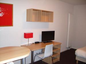 Location tudiant studio quip et meubl r sidence for Meuble bureau etudiant