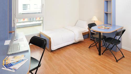 les estudines le clos saint germain 75020 paris r sidence service tudiant. Black Bedroom Furniture Sets. Home Design Ideas