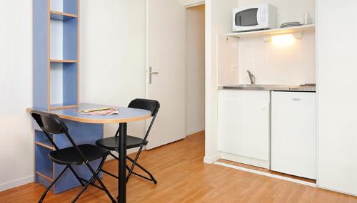 les estudines le clos saint germain 75020 paris. Black Bedroom Furniture Sets. Home Design Ideas