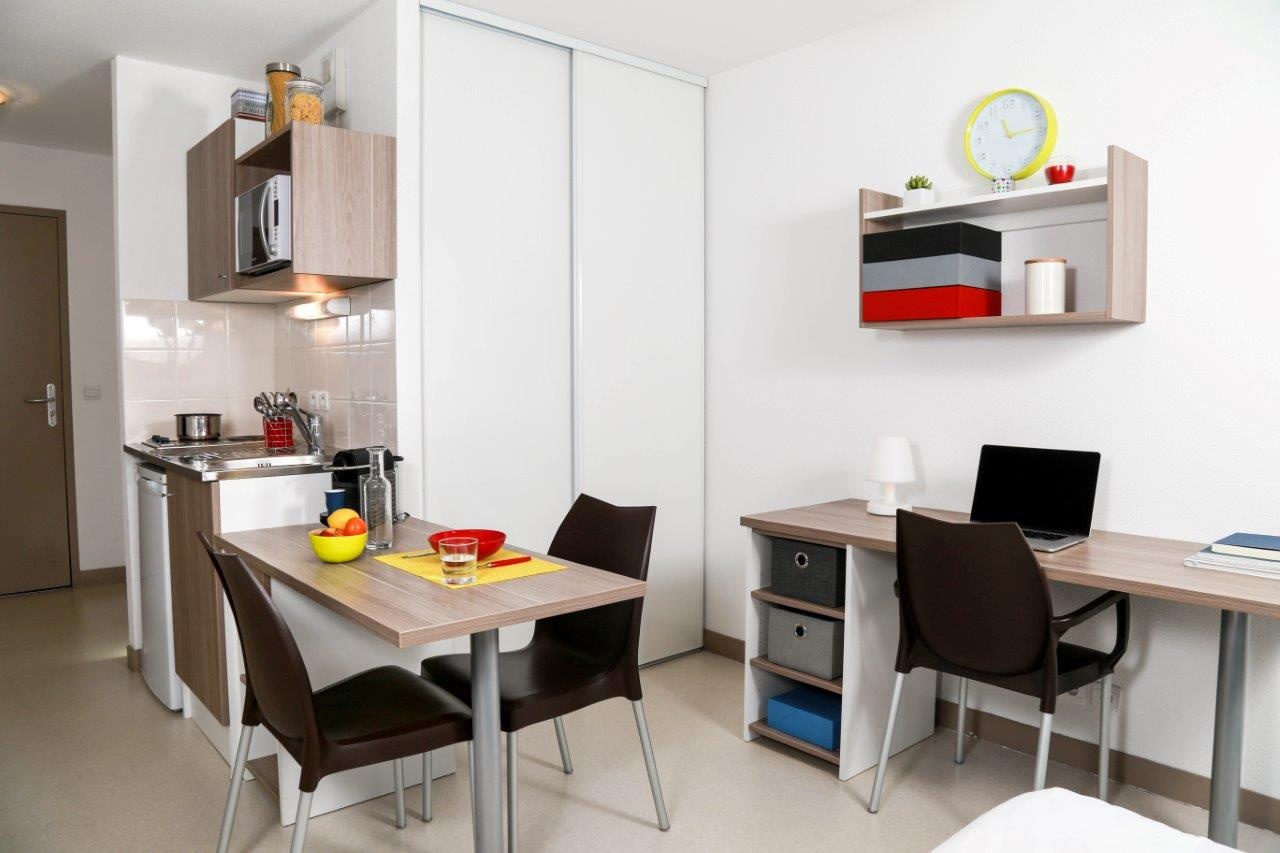 Location tudiant studio meubl angers belle beille for Appartement universitaire bordeaux