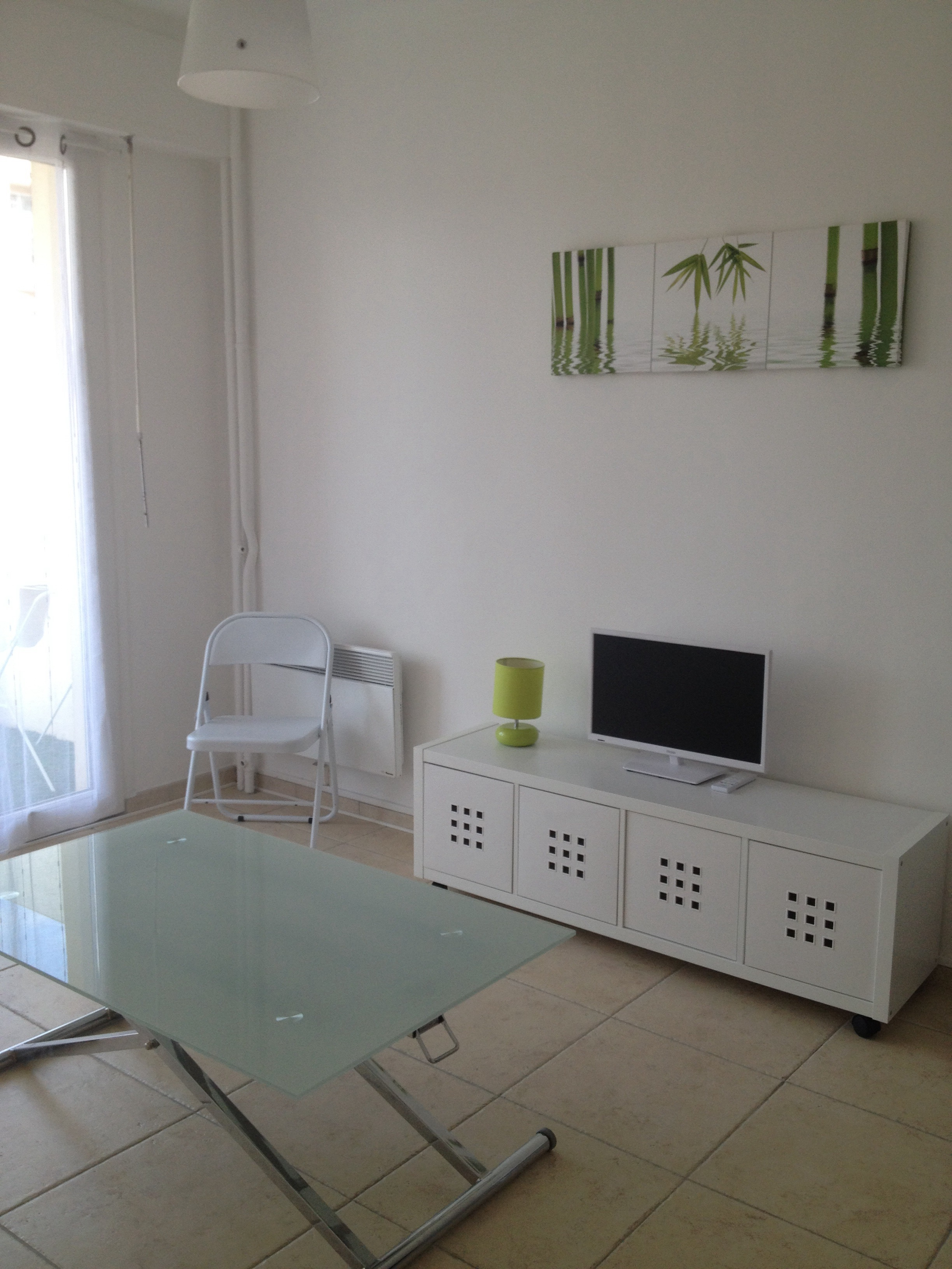 Location tudiant agreable studio meuble avec terrasse for Location studio meuble nice