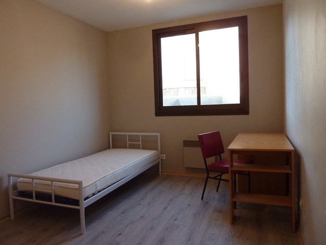 Location tudiant location 2 chambres tudiant le mans for Surface minimale chambre 9m2